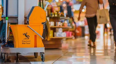 Produtos para limpeza de shoppings